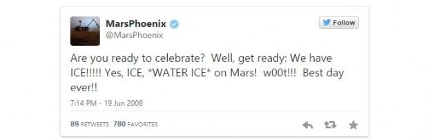 La sonda Phoenix de la NASA confirmó en Twitter que había evidencia de hielo en Marte.